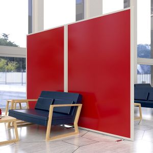 Morton laminate screens finished in Rosso matte laminate